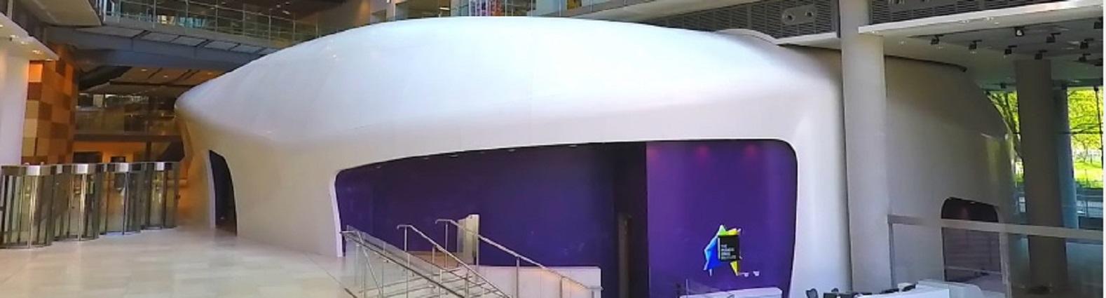 Francis Crick Auditorium pod GRP Laing O'Rourke HOK Architects
