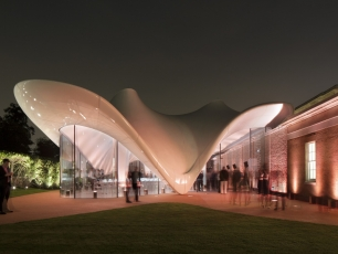 <p>Design & Display Structures were appointed to design detail, manufacture and install one of the most complex double curving GRP bullnose cladding structures in the UK to fit around the perimeter of lightweight tensile roof membrane and primary steelwork structure which provides a new and exciting exhibition/gallery space in London.</p>